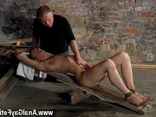 attractiv? gay hook-up British lad Chad Chambers is his latest victim, held and